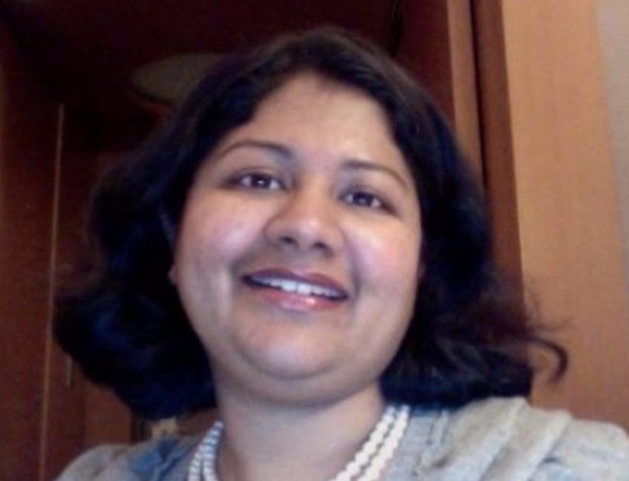 Full-Time MBA alum and Apple Vice President, Priya Balasubramaniam