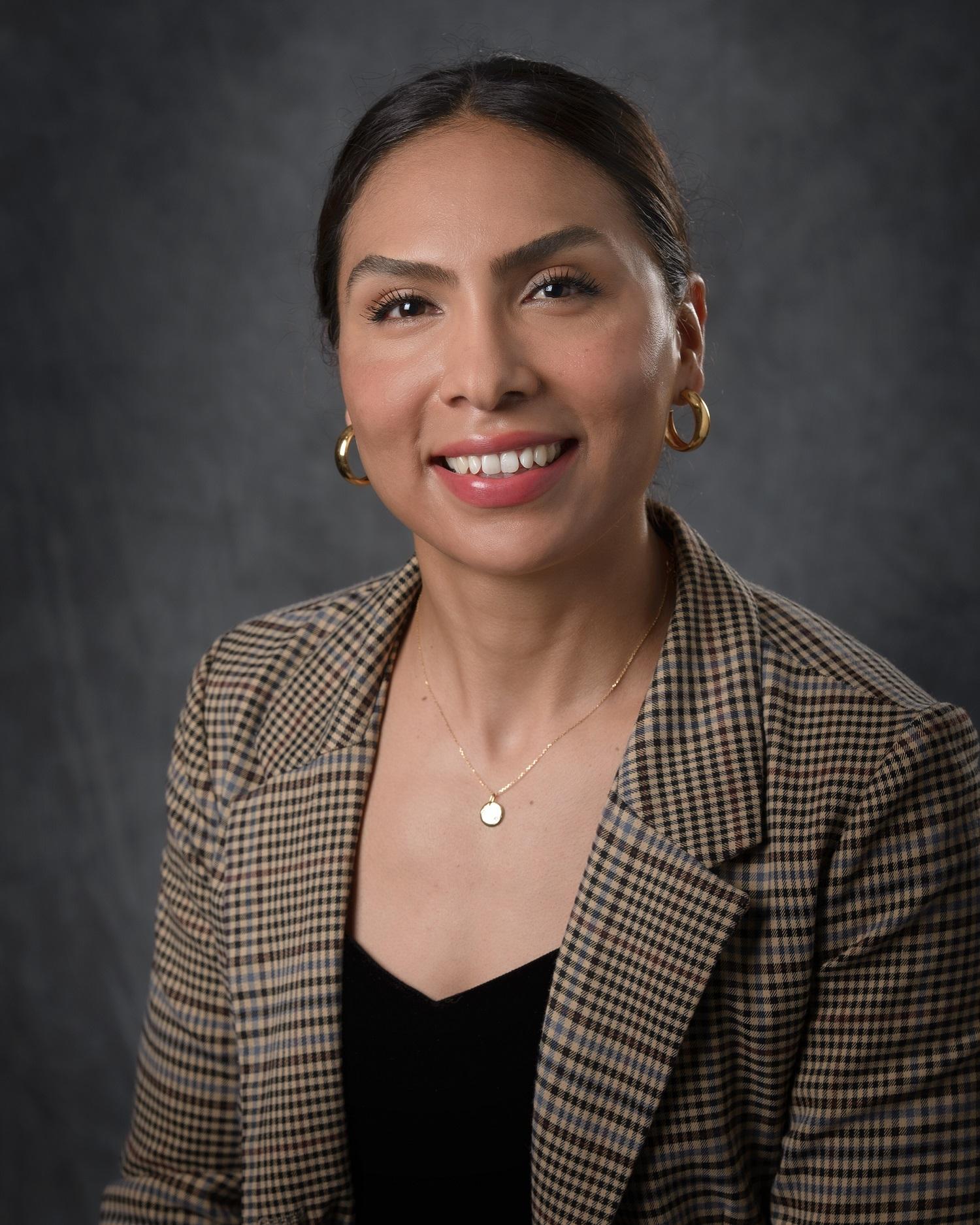 Headshot of Sandra Linarez